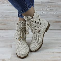 Rubber Sole for boots or tenis and sandals to crochet / suelas para botas o tenis y sandalias para tejer Crochet Boot Cuffs, Crochet Boots, Crochet Slippers, Crochet Shoes Pattern, Shoe Pattern, Make Your Own Shoes, Plaid Crochet, Boho Boots, Summer Boots