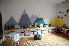 45 Enchanting Kids Room Design Ideas That Will… Playroom Design, Playroom Decor, Kids Room Design, Baby Room Decor, Playroom Layout, Pinterest Baby, Escape Room For Kids, Game Room Kids, Boy Room