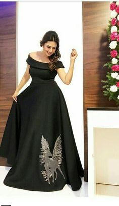 Ideas Dress Long Formal Black Beautiful For 2019 Indian Wedding Gowns, Indian Gowns Dresses, Pakistani Dresses, Evening Dresses, Long Gown Dress, Lehnga Dress, Long Frock, Indian Designer Outfits, Designer Dresses