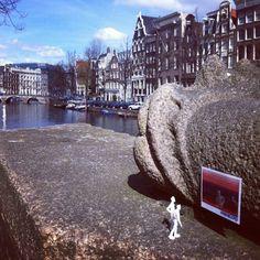 Purplevan Aline van Weert #miniexpo    Expositiedatum: 14 april 2012  Locatie:Keizersgracht, Amsterdam