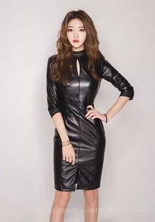 Super sexy asian girl with long Long Leather Skirt, Leather Dresses, Leather Mini Skirts, Leather Shorts Outfit, Latex Dress, Latex Fashion, Sexy Asian Girls, Sexy Outfits, Pretty Dresses