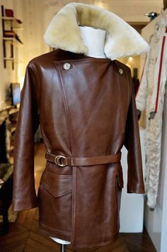 Mens Leather Coats, Best Leather Jackets, Vintage Leather Jacket, Men's Leather, Men's Coats And Jackets, Outerwear Jackets, Women's Coats, Dapper Suits, Mens Suits
