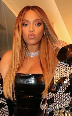 Estilo Beyonce, Beyonce Style, Queen Bee Beyonce, Beyonce And Jay Z, Beyonce Knowles Carter, Rihanna E, Beyonce Instagram, Lab, Houndstooth Coat
