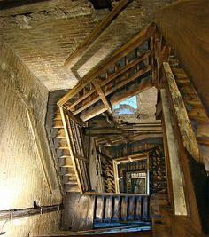 Scala interna della torre degli Asinelli, Bologna