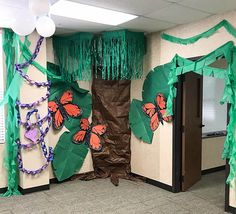 In The Wild VBS (Jungle/Safari Themed) Decoration Ideas - Clumsy Crafter