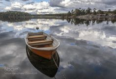 Boat with reflection by KennetBrandt