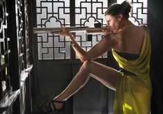 Rebecca Ferguson from distance - starring in MISSION IMPOSSIBLE 5 ROGUE NATION - PARAMOUNT Pictures - kulturmaterial