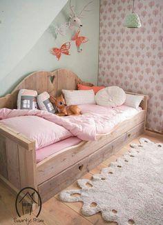 Little girl bedroom idea #forrest #bambi #deer
