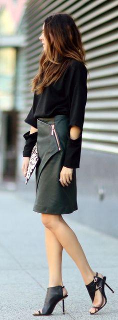 street  style   black knit + leather Outfity Se Sukní e87f0c7950