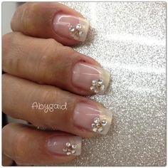 Uñas de acrílico decoradas con cristales de swarovsky!! :-)