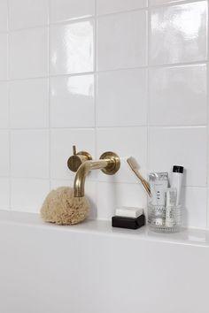 Bathroom details - b a t h - Bathroom Decor Minimalist Bathroom, Modern Bathroom, Small Bathroom, Master Bathroom, Bathroom Vanities, Bathroom Ideas, Bathroom Designs, Bathroom Renovations, Shower Ideas
