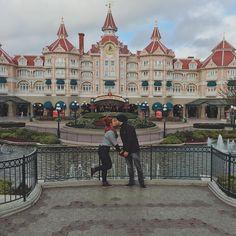 """""""Ooooooi, goxxxxxtosaaaaaas! ❤️ Hoje é dia de Disney!!  Passamos o dia inteiro sem sinal nenhum de internet  acabei de achar um lugarzinho que pegou pra…"""""""