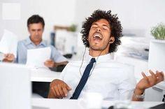 Cuáles son las Desventajas de Escuchar Música en el Trabajo - Para Más Información Ingresa en: http://decoraciondeoficina.com/cuales-son-las-desventajas-de-escuchar-musica-en-el-trabajo/