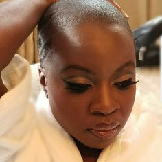 Danai Gurira Chic Bald Hairstyles, Afro Looks and Box Braids – Celebrities Woman Short Hair Cuts, Short Hair Styles, Bald Head Women, Bald Hair, Afro Hairstyles, Tapered Twa Hairstyles, Gorgeous Makeup, Hair Journey, Beautiful Black Women