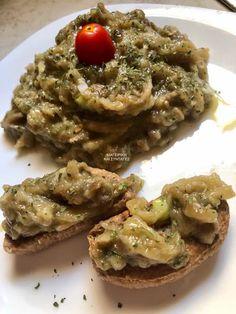 Μελιτζανοσαλάτα !!! ~ ΜΑΓΕΙΡΙΚΗ ΚΑΙ ΣΥΝΤΑΓΕΣ 2 Baked Potato, Greek, Potatoes, Baking, Ethnic Recipes, Food, Potato, Bakken, Essen