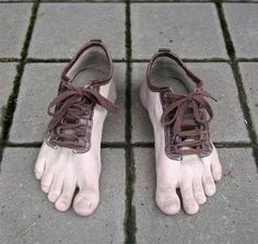Unbelievable is the word that comes to the mind when one sees them. Simply amazing, out of this world design! They are not even like finger shoes that give a look of shoe gloves to the feet. They are simply barefoot! One can easily get. Barefoot Running, Barefoot Shoes, Going Barefoot, Creative Shoes, Unique Shoes, Creative Design, Crazy Shoes, Me Too Shoes, Weird Shoes