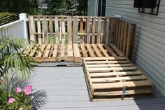 Paint Speckled Pawprints: Outdoor Pallet Sectional Sofa, Part I