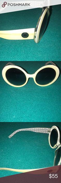 Coach woman's sunglasses Women's coach sunglasses great condition!! Make me an offer Coach Accessories Sunglasses