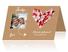 Jubileum uitnodiging met kartonnen achtergrond 25 jaar getrouwd