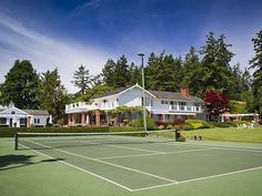 even though I've never played tennis, I will def learn and enjoy playing this with my family!