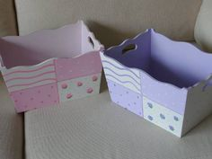 portacosmeticos para bebe - Buscar con Google Decoupage Wood, Decoupage Furniture, Stencil, Kit Bebe, Pintura Country, Arte Country, Wooden Boxes, Little Ones, Toy Chest