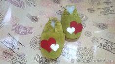 """Купить Домашние тапочки """"Сердечки"""",домашняя обувь, обувь для дома в интернет магазине на Ярмарке Мастеров"""