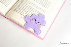 "Felt jigsaw puzzle bookmark, original corner bookmark, travel bookmark, ""Lily"", kid reading"
