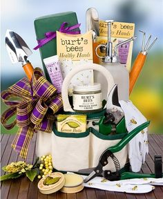 Burt's Bees Gardener's Kit: Spa Gift Baskets - Everything needed to nurture tender plants and sensitive skin.