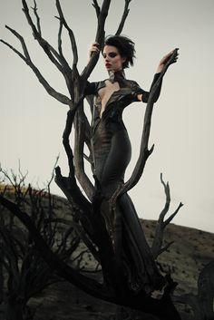 Haute Goth † #fashion #goth #gothic #glamour #HauteGoth