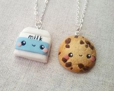 MADE TO ORDER! These are handmade polymer clay charms. Miniature food, smore is a great friendship necklace. Surprise your friend with a great gift- this charm is not only very cute but also appetizing and friendly meaningful. It comes in a miniature gifting box.  There is a picture where the item is being held to show the size of the charm  THE SET INCLUDES: 1 Smore with chocolate 1 Smore with marshmallow   CHAIN OPTIONS: ✦NO CHAIN✦ -includes 2 clay charms with alloy eyepins and alloy jump…