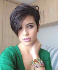 Asymmetrical Short Hairstyle Oval Face Hairstyle