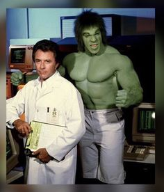 "When I was a child my favorite super hero wasn't Superman or Batman. My favorite superhero was HULK! On ""The Incredible Hulk"" TV show from the late Bruce Banner would get into a c… Banner Hulk, Bruce Banner, Dr Banner, Le Clan Des Siciliens, Incredible Hulk Tv, Marvel Comics, Hulk Marvel, Ms Marvel, Marvel Art"