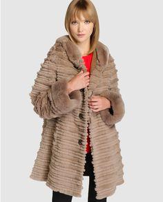 Abrigo reversible de mujer De la Roca con pelo de rex y conejo