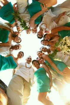 Circle Wedding Party Pic