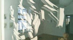 Interessante Spiegelung: »Musik« (Grafik auf Papier) von Toshihiko Isa aus Kyōto.