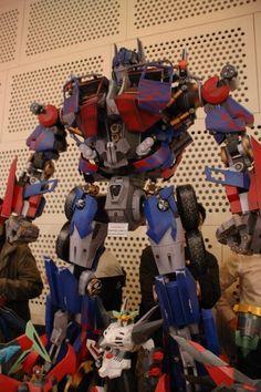 1.6m Optimus Prime (original pattern by paper-replika.com) @ Hobbyfair 2012 Seoul