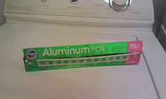 2013_ {Junk in their Trunk}: Aluminum foil to get rid of Static Cling