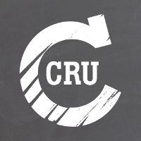 Chez CRU, vous pouvez déguster des produits simples et authentiques de façon contemporaine. Nous recherchons l'essentiel : la saveur pure du produit, dans toute sa simplicité. Nous croyons au pouvoir de la nature et nous lui accordons dès lors tout le temps dont elle a besoin pour faire son œuvre afin que les produits développent toutes leurs saveurs. Des produits ordinaires, extraordinairement bons.  CRU est un marché de produits frais couvert rassemblant 10 métiers, sous un même toit. Ils…
