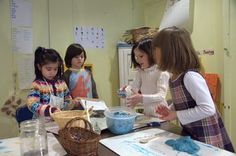 Children Playing With Clay in a Classroom.artsedge creativity in the classroom Classroom Environment, A Classroom, Play Clay, Cooperative Learning, Project Based Learning, Art Education, Kids Playing, School, Children