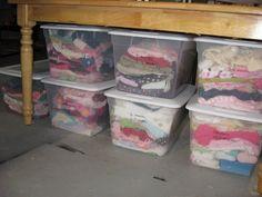 Пластиковые контейнеры с крышками для хранения одежды