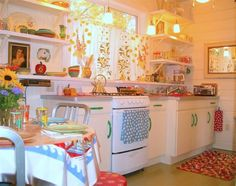 Delightful vintage kitchen <3