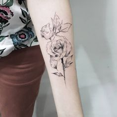 Sketch style flowers by Dani Bastos