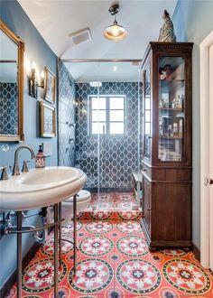 Bad Inspiration, Bathroom Inspiration, Small Bathroom, Colorful Bathroom, Bathroom Ideas, Bathroom Organization, Minimal Bathroom, Marble Bathrooms, Master Bathrooms