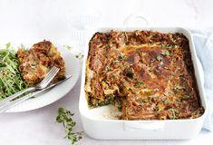 Vegetar lasagne med masser lækre grøntsager i en cremet og lækker lasagnesauce - få den bedste opskrift på sund grøntsagslasagne her Tzatziki, Polenta, Coleslaw, Meatloaf, Quinoa, Squash, Vegetarian Recipes, Paleo, Brunch