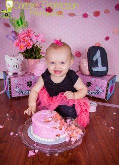 One Year Old Girl Photo Ideas Poses Cake Smash Pink Gray