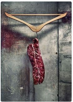 Just going to hang his here Foodie Recipes Dinner Lunch Breakfast DIY Pictures Recipe Quick Fast How To Raw Food Recipes, Meat Recipes, Cajun Recipes, Recipes Dinner, Meat Art, Specialty Meats, Aged Beef, Design Thinking Process, Hanger Steak
