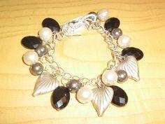silver chain black white glass beads hearts bracelet.3. £5.69