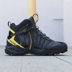 newest e9f0f fdf11 Blending the performance features of a hiking boot with the feel of a  running shoe, the Men s Nike Air Zoom Tallac Lite OG Boot sets you up for  lightweight ...