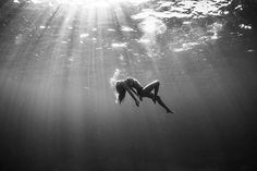 || Alana Blanchard. There's something so beautiful and surreal about underwater photography. I love it.