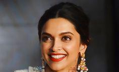 Deepika Pairs Bold Lips With Smokey Eyes And It's Amazing! | Hauterfly